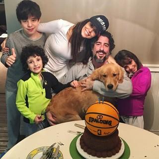 Marcos Mion e Suzana Gullo Mion com os filhos  (Foto: Instagram / Reprodução)