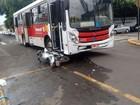 Idosos sofrem acidente após bater na lateral de ônibus em Votuporanga