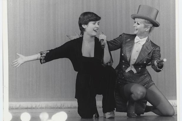 Carrie Fisher e Debbie Reynolds nos anos 1970 (Foto: Divulgação)