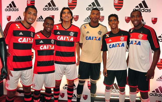jogadores uniforme Flamengo lançamento (Foto: Alexandre Vidal / Fla Imagem)