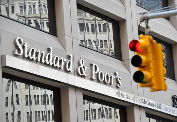 Fachada da sede da agência de classificação Standard & Poor's em Nova York, nos EUA (Foto: Stan Honda/AFP/Getty Images)