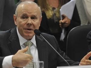 Mantega, em audiência no Senado (Foto: Agência Brasil)