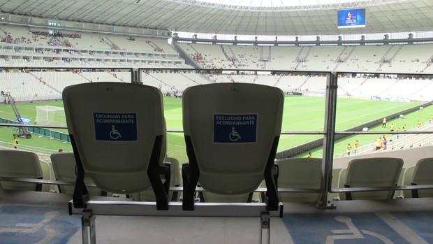 cadeiras castelão (Foto: Leandro Canônico)