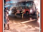 Ônibus pega fogo no bairro do Rio Vermelho (Reprodução/TV Bahia)