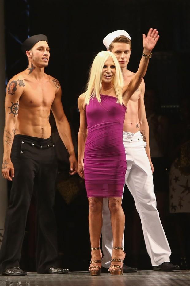 Donatella Versace - passagem inesquecível pela SPFW (Foto: AG.News)