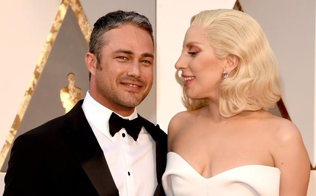 Taylor Kinney e Lady Gaga romperam o noivado em julho de 2016
