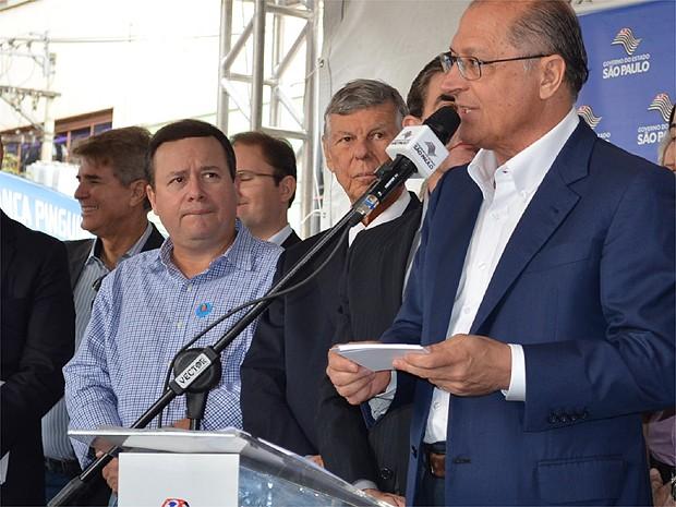 Alckmin faz discurso durante evento em Ribeirão Preto, SP, nesta sexta-feira (17) (Foto: Fernanda Testa/G1)