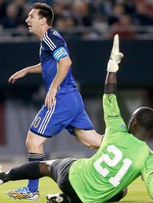Messi jogo amistoso Argentina x Trinidad e Tobago (Foto: AP)