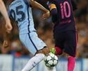 """Fernandinho nega polêmica com Messi: """"Não sou de procurar confusão"""""""