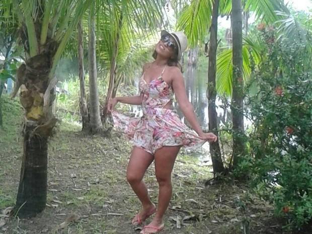 Professora Adriana Caldas foi morta a facadas em Macapá (Foto: Reprodução/Facebook)
