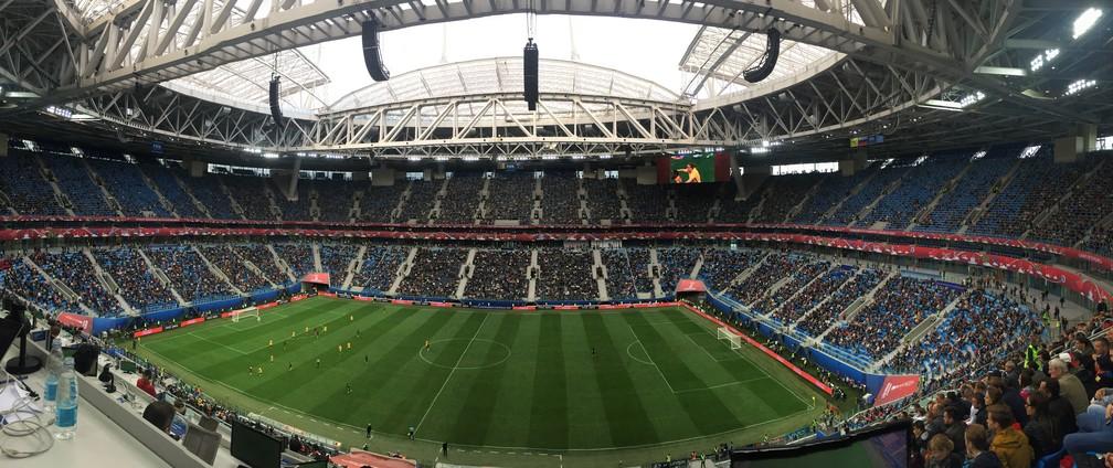 Arena Zenit com 35.021 pessoas no jogo entre Austrália e Camarões: capacidade no torneio é para 57 mil torcedores (Foto: Thiago Dias)