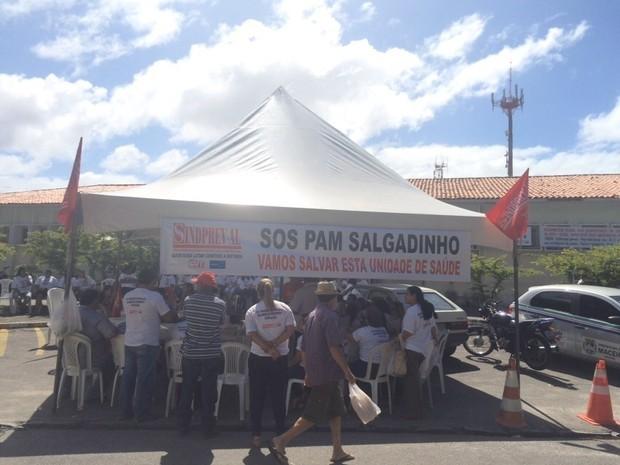 Serviço médico foi suspenso nesta segunda-feira  (Foto: Carolina Sanches/G1)
