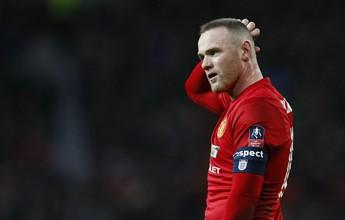 José Mourinho garante que não terá influência na possível saída de Rooney