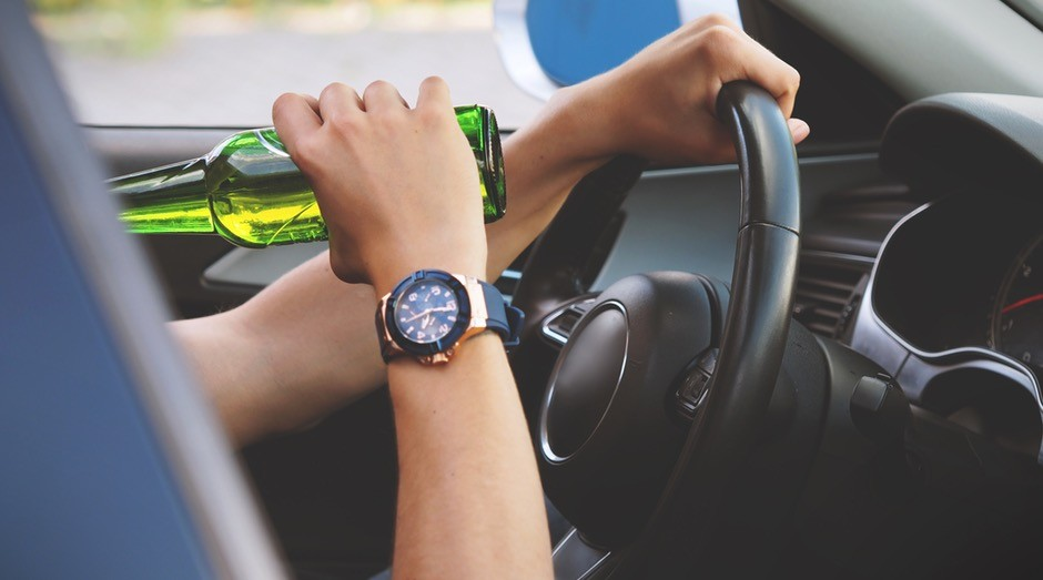 beber e dirigir; multa; transito; carro (Foto: Pexels)
