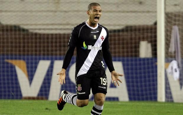 nilton vasco gol lanús (Foto: Agência EFE)