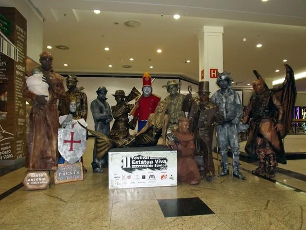 Festival reúne estátuas vivas de vários países em Santos, SP (Foto: Ivair Vieira Jr/G1)