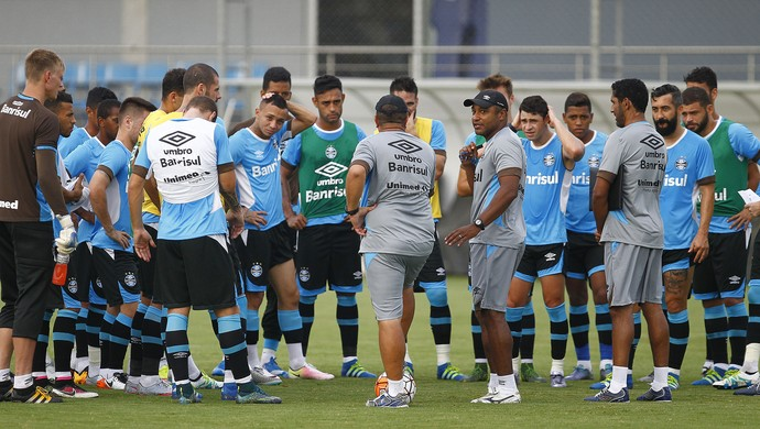 Treino, Grêmio, jogadores, Roger Machado (Foto: Lucas Uebel / Grêmio / Divulgação)