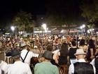 Santa Bárbara recebe apresentações de seresteiros na Praça Central