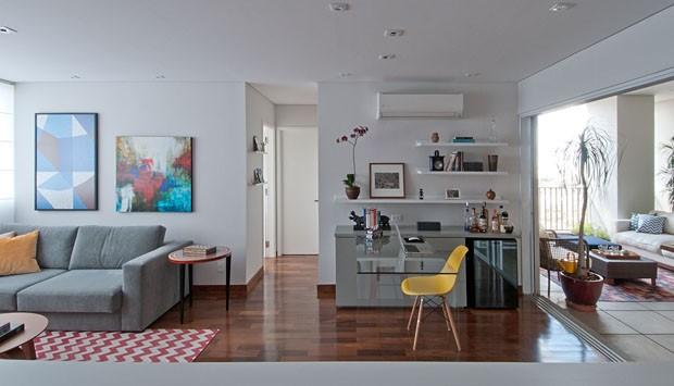 Apartamento colorido e integrado Casa Vogue Apartamentos # Decoração De Pequenos Apartamentos Fotos