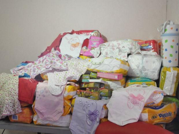 Doações recebidas na maternidade (Foto: Mirian Machado/ G1 MS)