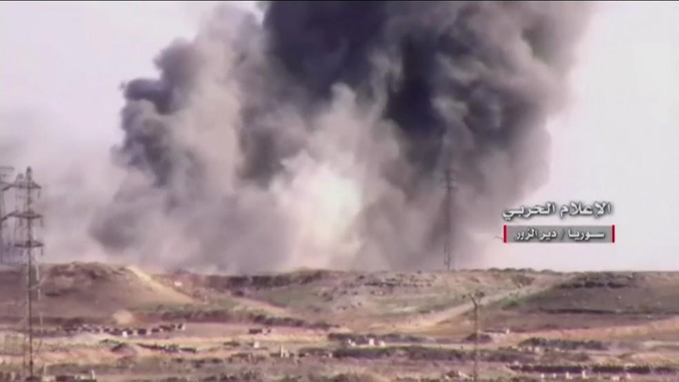 Ataque dos EUA à Síria na noite de quinta-feira (6) (Foto: Reprodução/TV Globo)