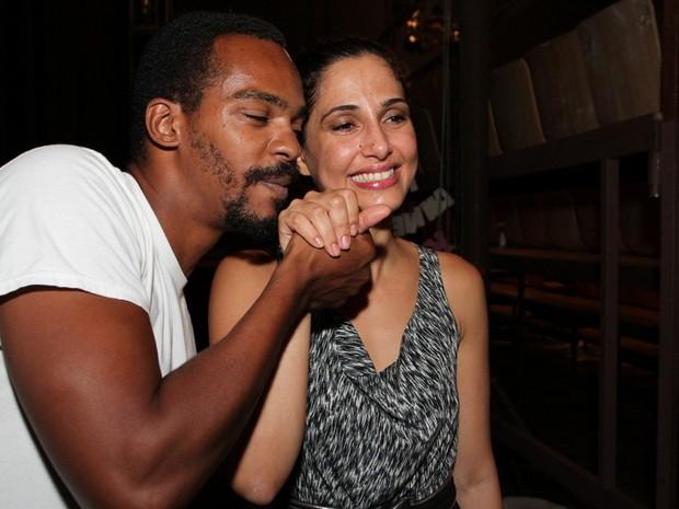 Rocco Pitanga e Camila Pitanga em estreia de peça no Rio (Foto: Anderson Borde/ Ag. News)