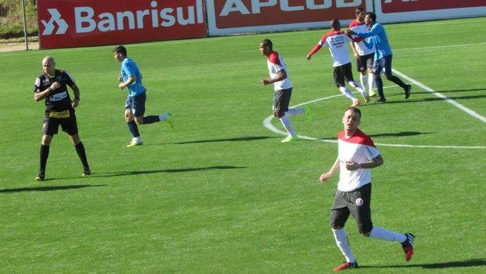 Jogo treino Internacional e Novo Hamburgo (Foto: Tomás Hammes/GloboEsporte.com)