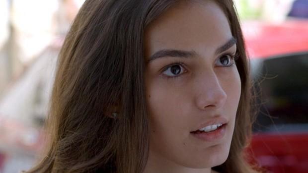 Malhação: Luciana desconfia das explicações de Pedro (Malhação)