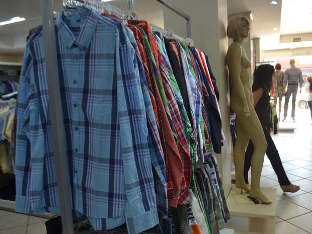 Lojistas apostam em moda country para clientes de última hora (Foto  Pâmela  Fernandes  ba42c595943