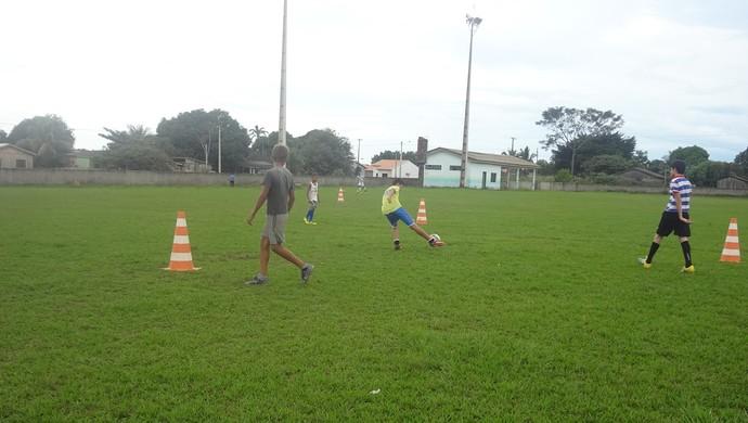 Meninos de Seringueiras, RO, treinam para jogar competição no Paraná (Foto: Pedro Miani/Arquivo Pessoal)