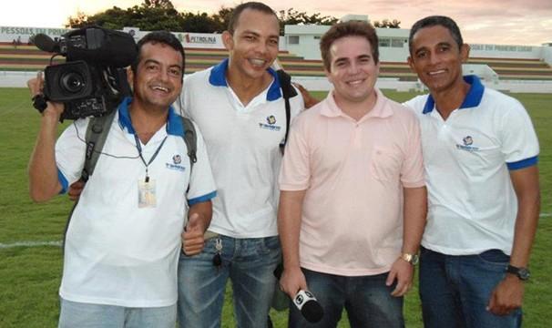 Cesinha trabalha há cinco anos na TV Grande Rio (Foto: Arquivo Pessoal)