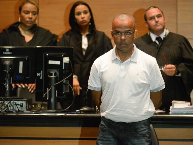 Traficante Fernandinho Beira-Mar dentro do tribunal (Foto: Erbs Jr. / Frame / Estadão Conteúdo)