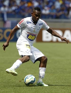 Willians; Cruzeiro (Foto: Washington Alves/Light Press)
