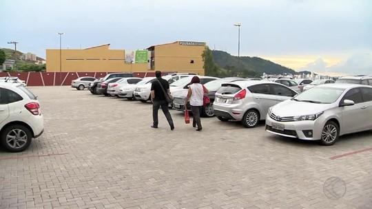 Gratuidade em estacionamentos de hospitais é discutida em Juiz de Fora