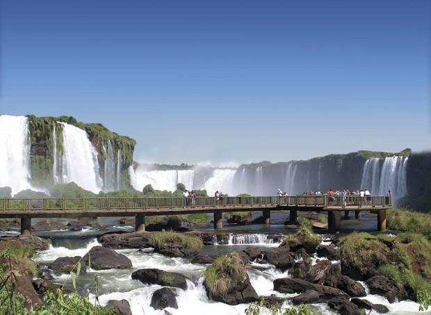 Trilhas para chegar próximo às cachoeiras (Foto: Divulgação)