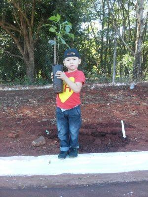 Pequeno Gabriel aproveitou a manhã no parque  (Foto: Vinícius Torres/ TEM Você )