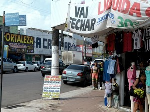 Empresário anunciam fechamento de loja em Macapá (Foto: Abinoan Santiago/G1)