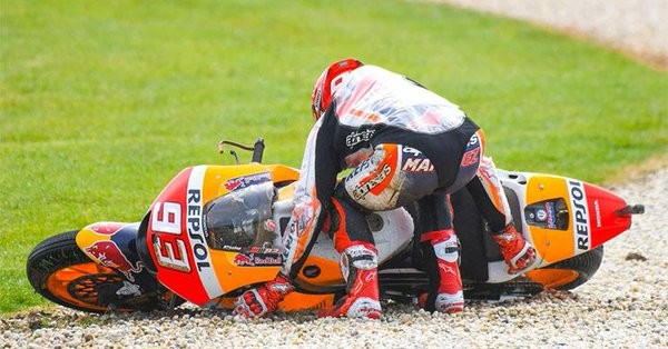 """BLOG: Mundial de MotoGP - Marc Márquez: """"Infelizmente, muitos pilotos da Honda estão na frente das quedas""""..."""