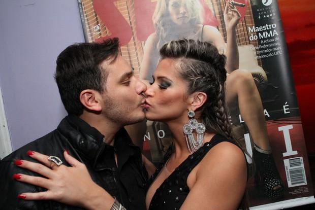 Fani com o namorado, Leandro Fernandes (Foto: Anderson Borde/Ag News)