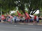 Manifestantes fazem ato de apoio ao governo Dilma em Roraima