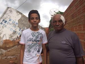 Luís estava na residência com o filho de 14 anos (Foto: Neyara Pinheiros/ TV Clube)