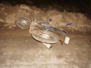Moto foi usada no crime em Carmo da Mata (Foto: Thiago Goes/Jornal A Notícia)