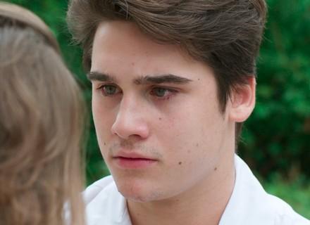 Rodrigo conta para Flávia que está triste por causa de Luciana
