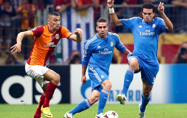 Pepe jogo Real Madrid contra Galatasaray (Foto: Reuters)