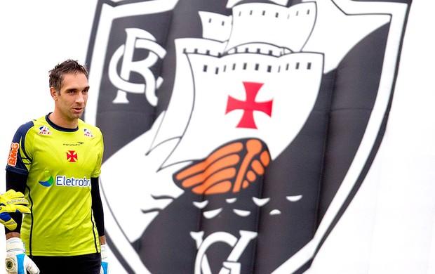 Fernando Prass no treino do Vasco (Foto: Alexandre Cassiano / Ag. O Globo)