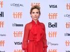 Scarlett Johansson e mais esbanjam estilo em festival de cinema