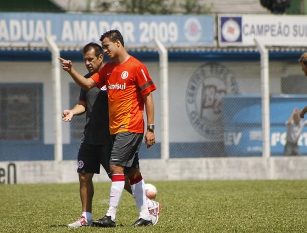 Dunga e Leandro Damião (Foto: Diego Guichard / GLOBOESPORTE.COM)