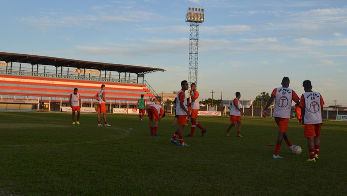 Jogadores do Sub-20 do Vilhena (Foto: Lauane Sena)