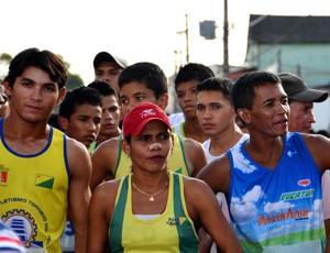 atletas na Corrida Seis de Agosto (Foto: Nathacha Albuquerque)