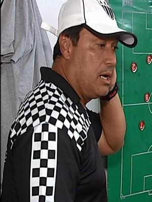 Técnico China; aula; tática; jogadores; Araxá Esporte Clube; Minas Gerais (Foto: Reprodução/TV Integração)